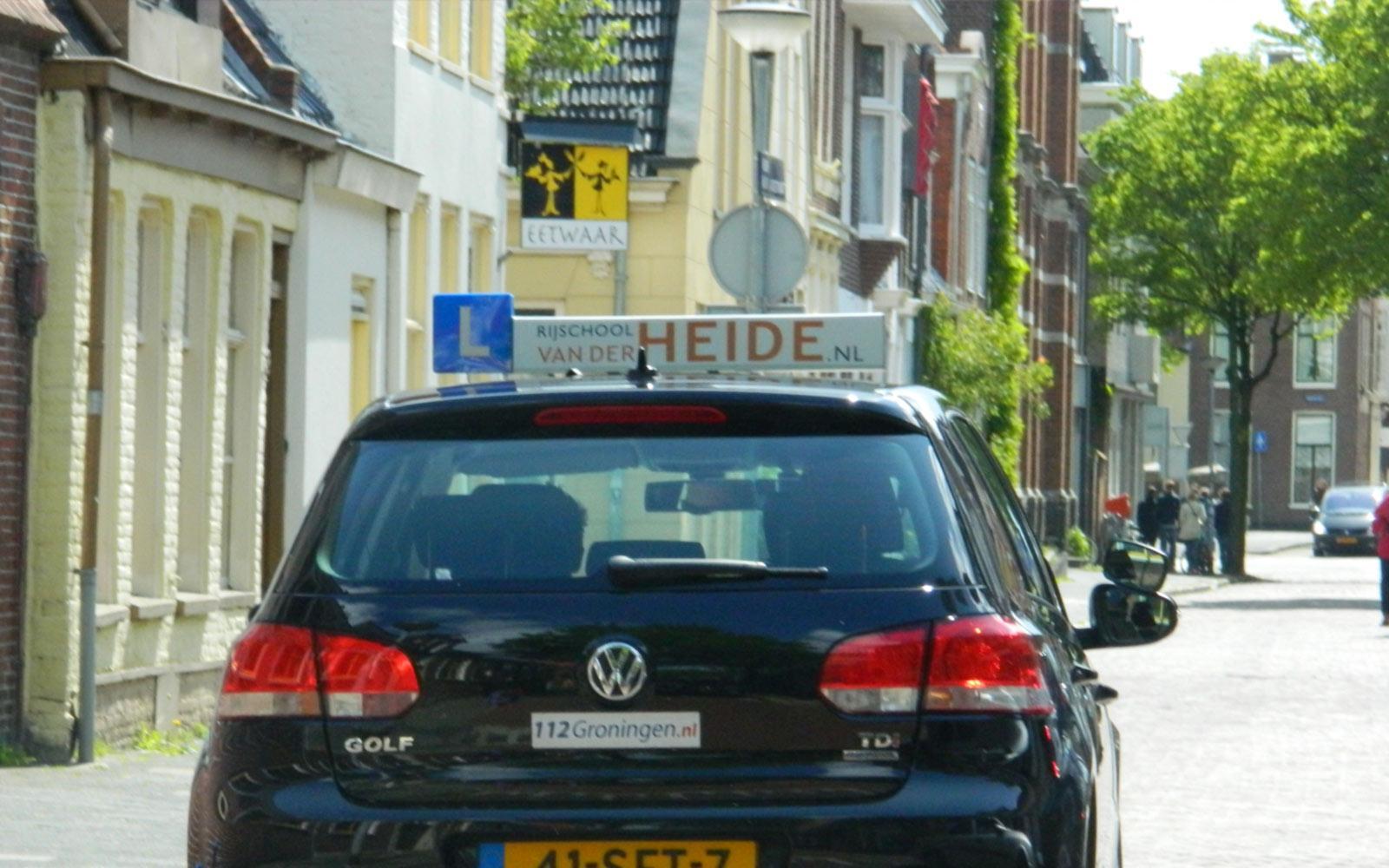 Gedreven rij-instructeurs voor rijlessen in Groningen en omgeving